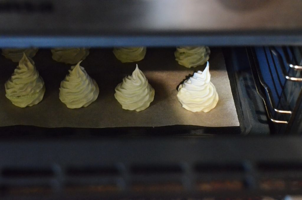 Christmas Tree Meringue Cookies recipe - step 6