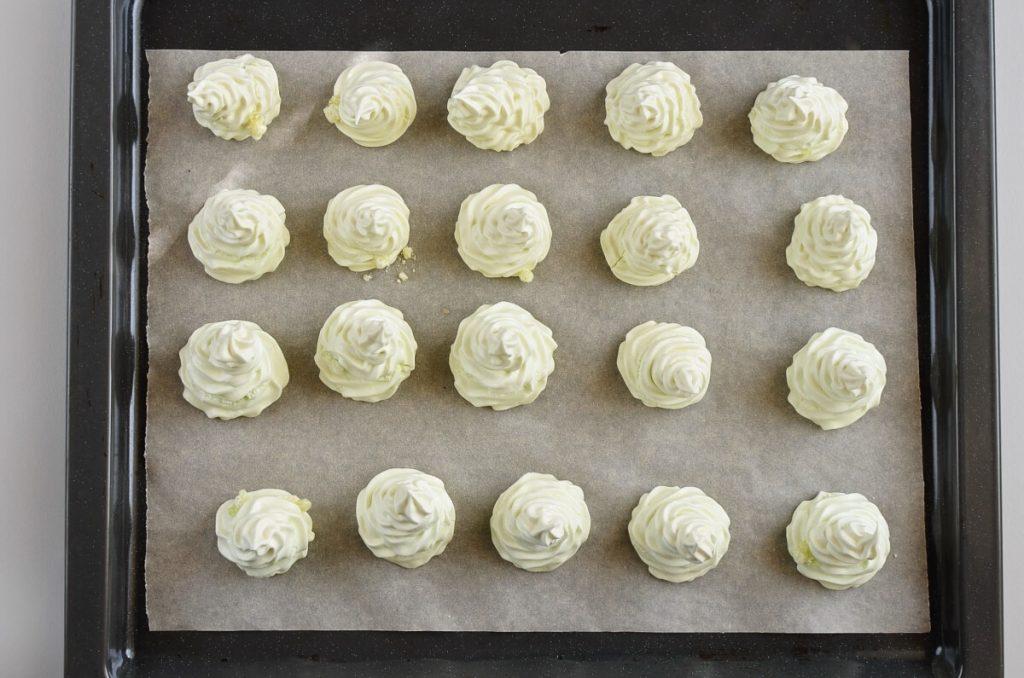 Christmas Tree Meringue Cookies recipe - step 7
