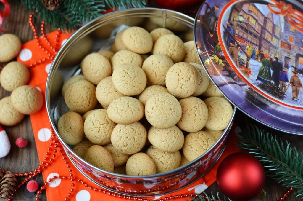 How to serve Dutch Pepernoten Cookies