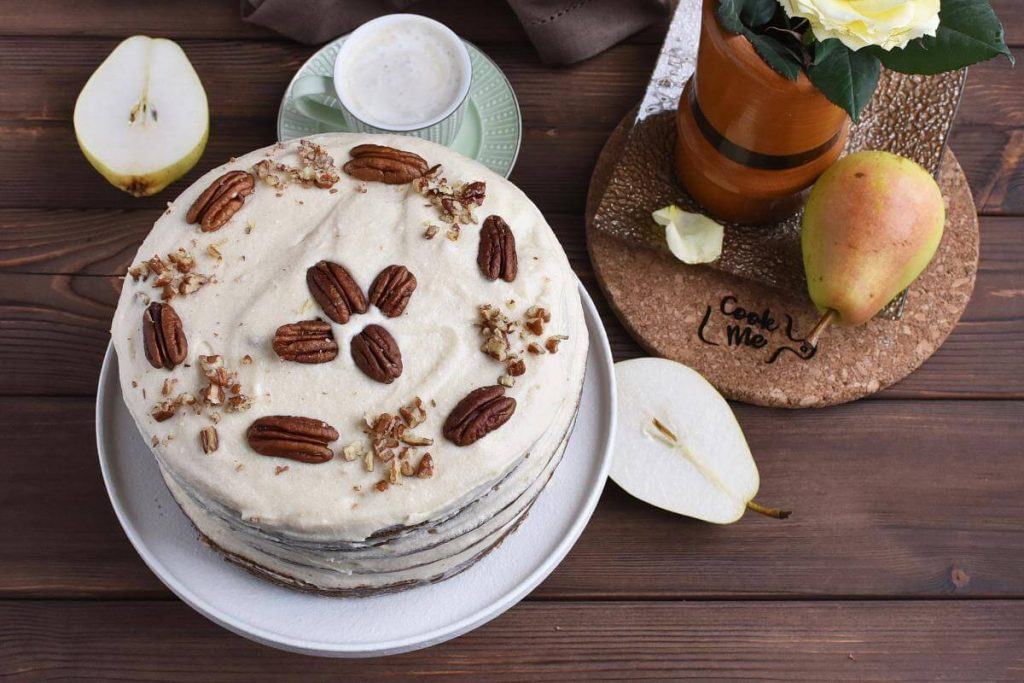 How to serve Fresh Pear Cake