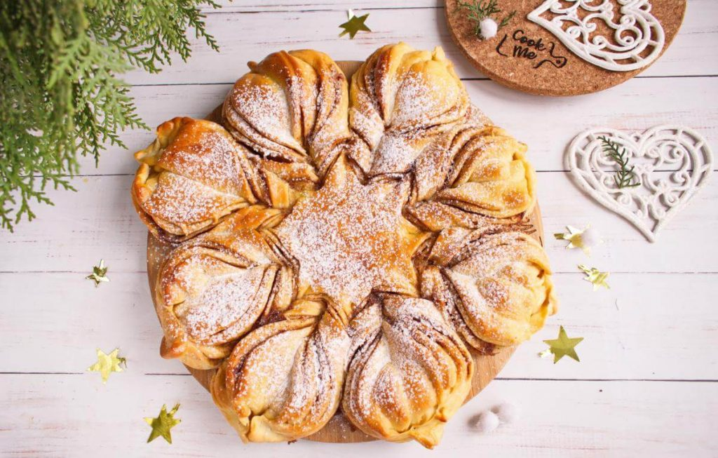 How to serve New Year's Star Bread