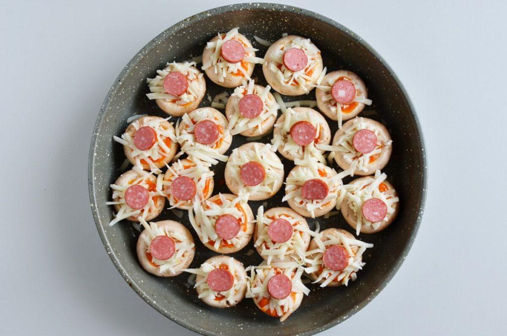Pizza-Stuffed Mushrooms recipe - step 4