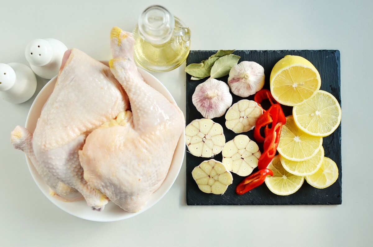 Ingridiens for Roast Chicken Legs with Lots of Garlic