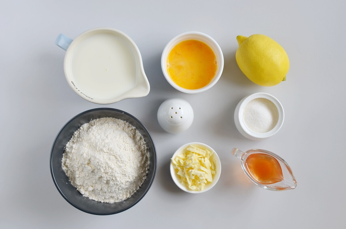 Ingridiens for Traditional British Shrove Tuesday Pancakes