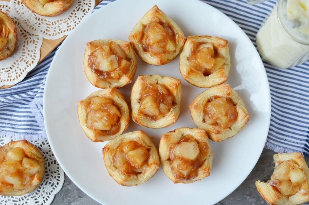 How to serve Apple Pie Cups with Puff Pastry