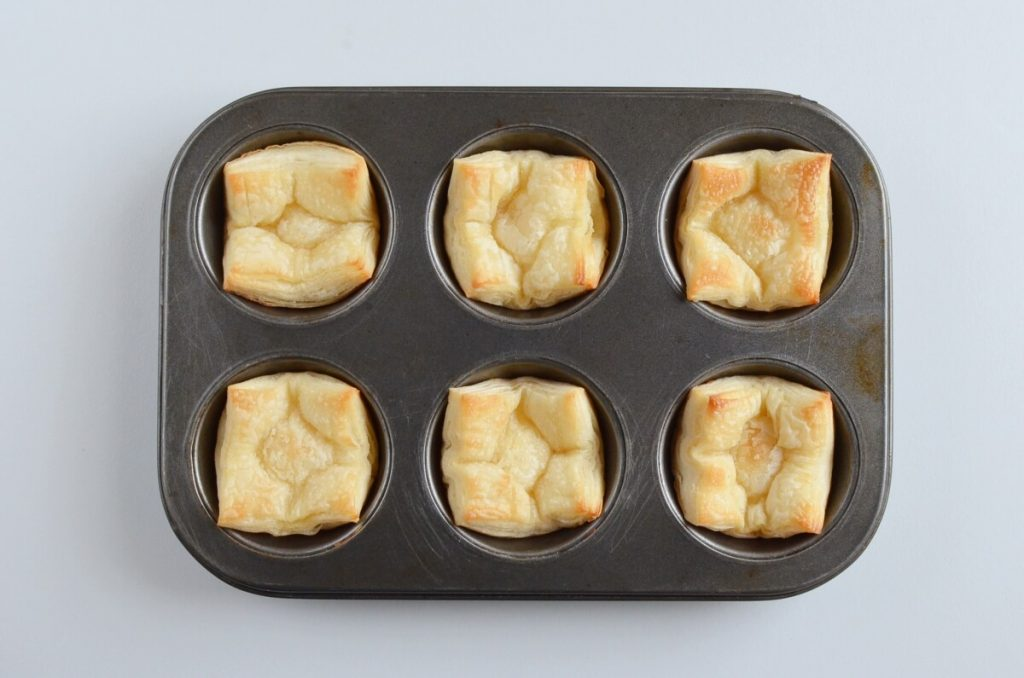 Apple Pie Cups with Puff Pastry recipe - step 4