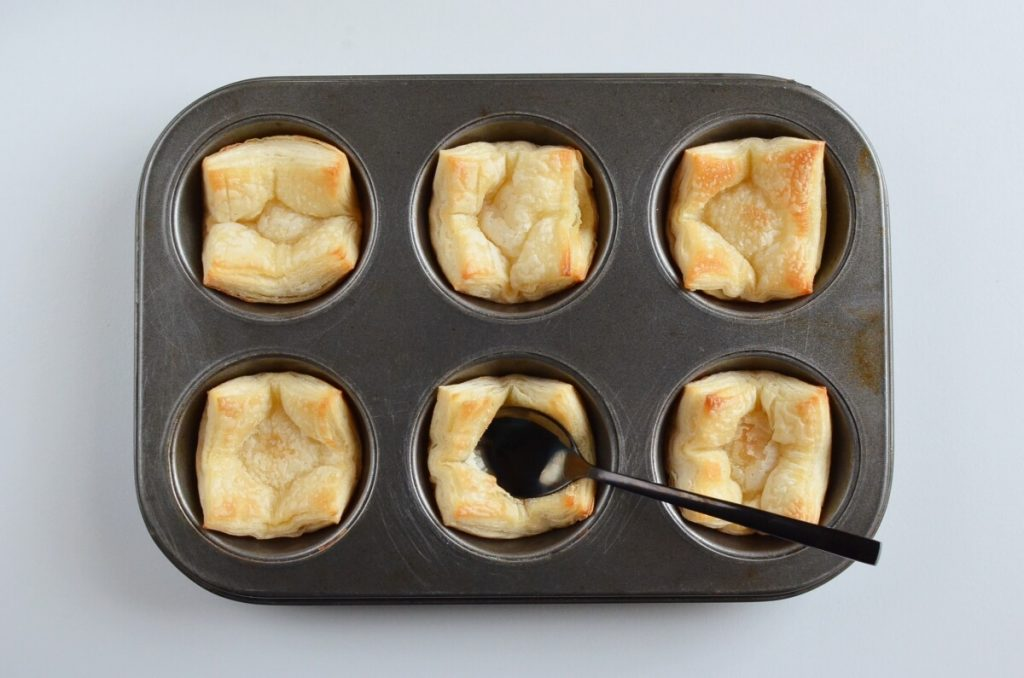 Apple Pie Cups with Puff Pastry recipe - step 7