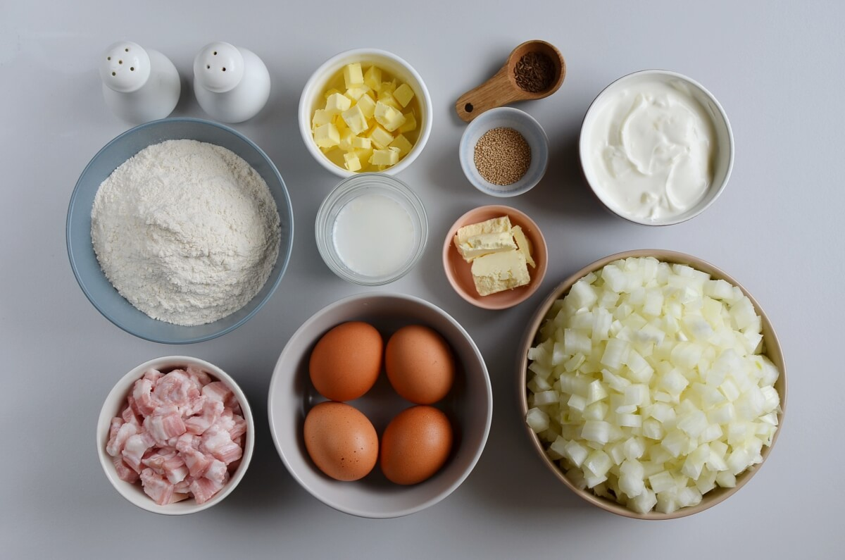 Ingridiens for Authentic Schwäbischer Zwiebelkuchen