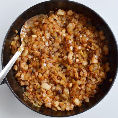 Authentic Schwäbischer Zwiebelkuchen recipe - step 3