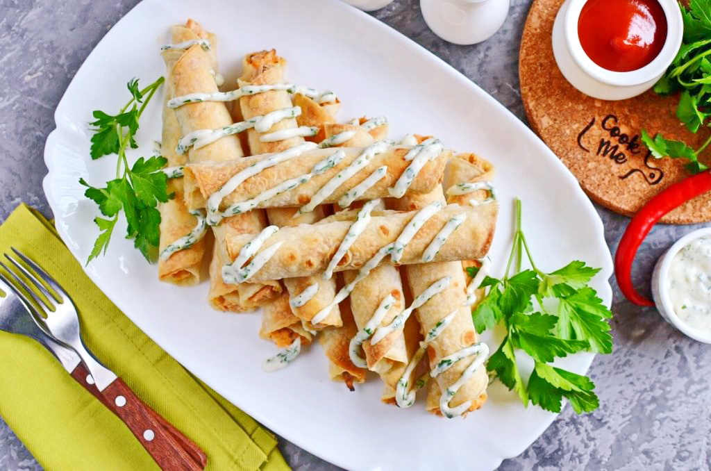 How to serve Best Buffalo Chicken Taquitos