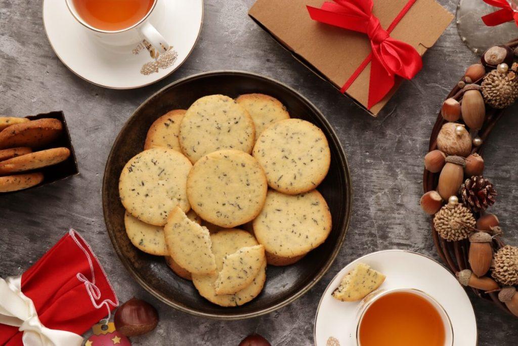 How to serve Earl Grey Shortbread Cookies