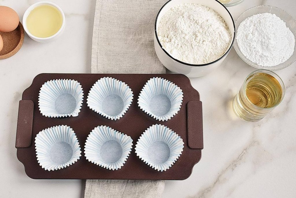 Easy Champagne Cupcakes recipe - step 1