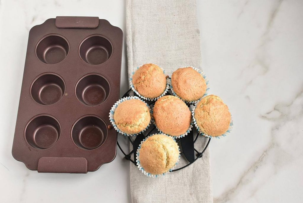 Easy Champagne Cupcakes recipe - step 5