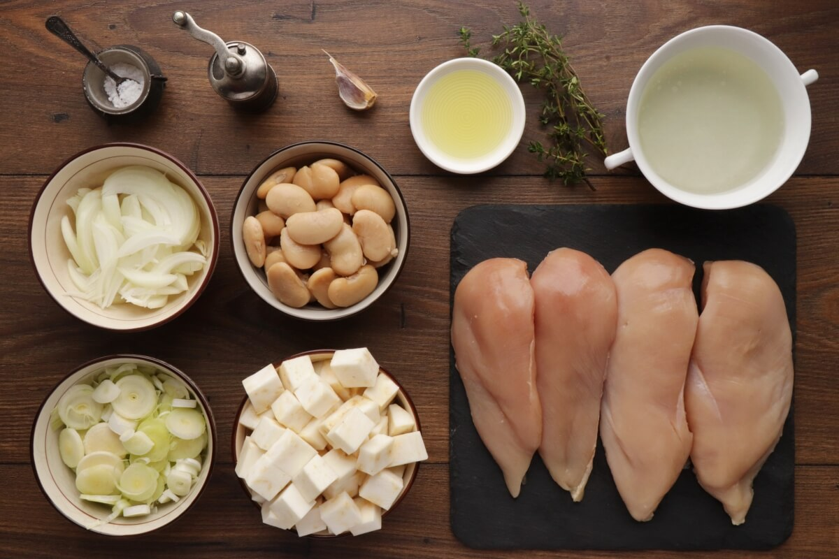 Ingridiens for One-Pot Chicken, Leek and Beans