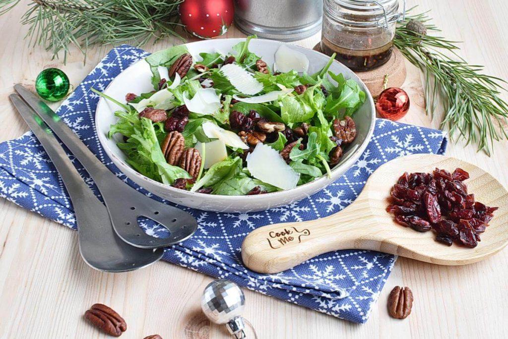 How to serve Quick Christmas Salad