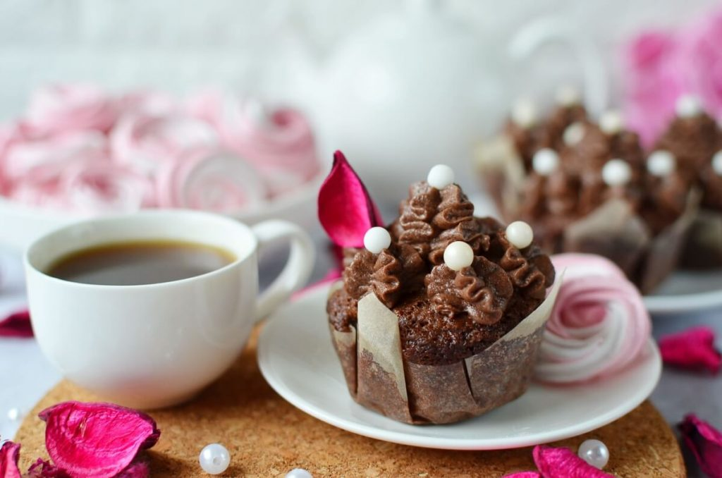 How to serve Small Batch Chocolate Cupcakes for Two