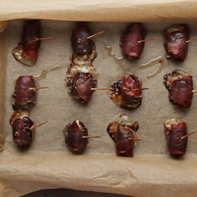 Stilton Stuffed Dates Wrapped in Pancetta recipe - step 5