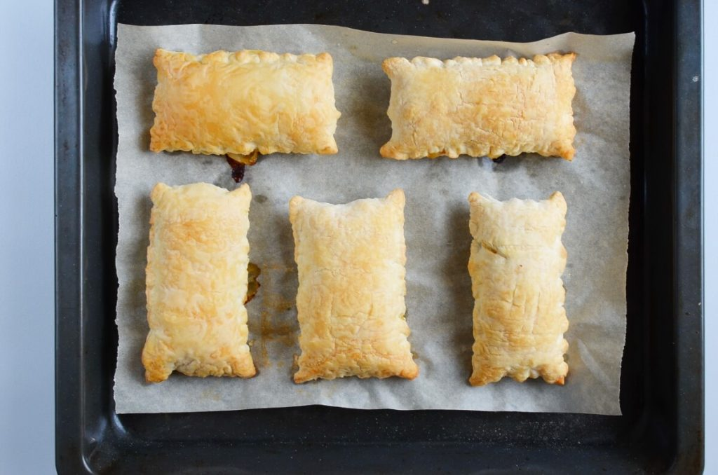 Chicken and Spinach in Puff Pastry recipe - step 8