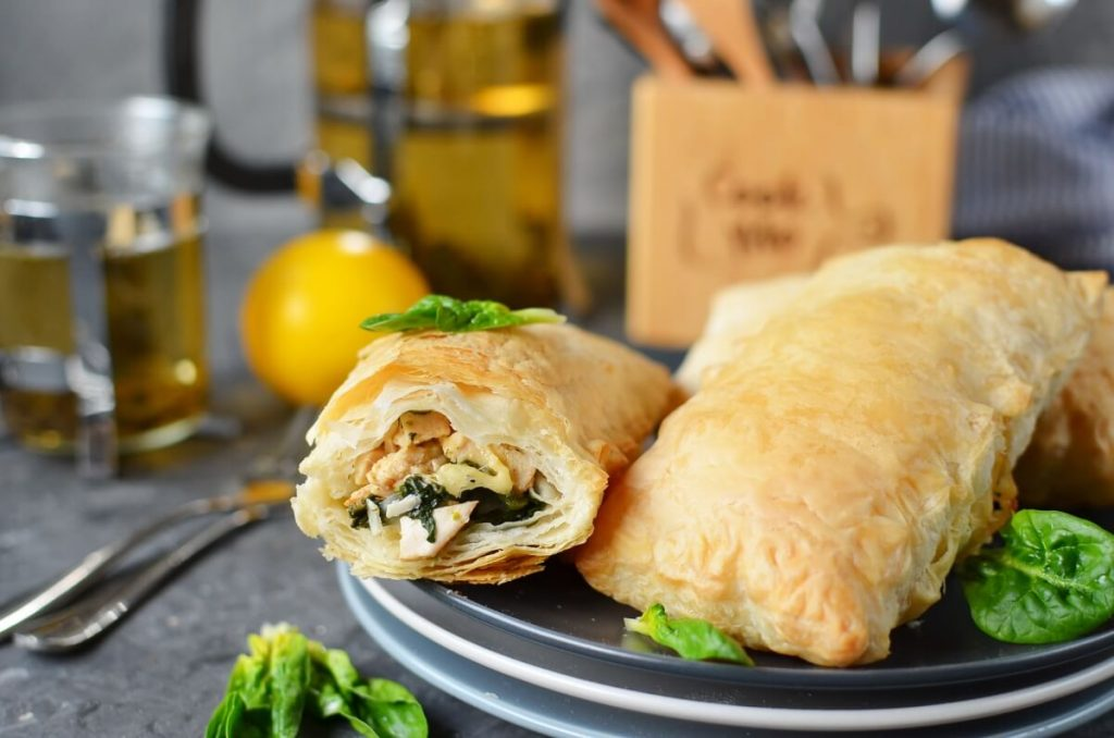 How to serve Chicken and Spinach in Puff Pastry