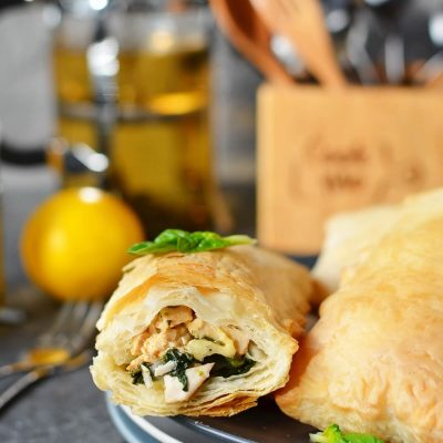 Chicken and Spinach in Puff Pastry Recipe-How To Make Chicken and Spinach in Puff Pastry-Easy Chicken and Spinach in Puff Pastry