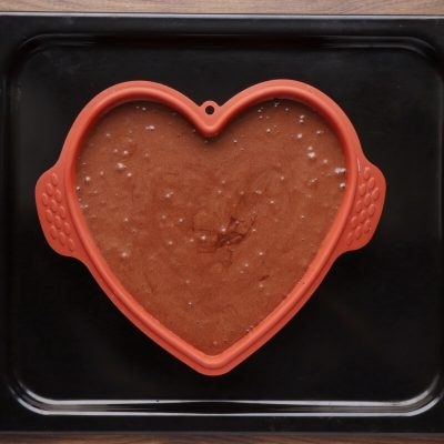 Chocolate Heart Cake recipe - step 11