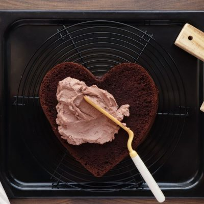 Chocolate Heart Cake recipe - step 15