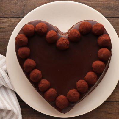 Chocolate Heart Cake recipe - step 18