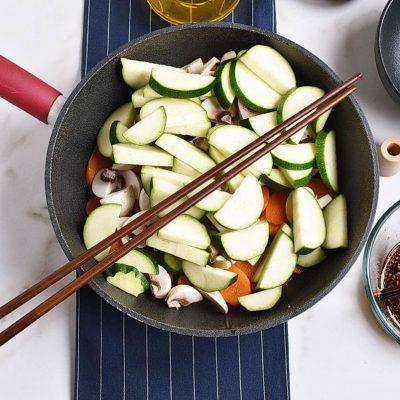 Easy Zucchini Stir Fry recipe - step 3