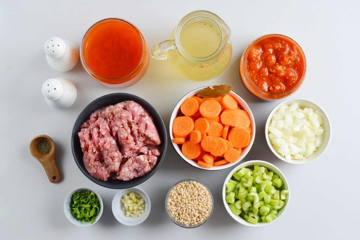 Ingridiens for Hearty Hamburger Soup