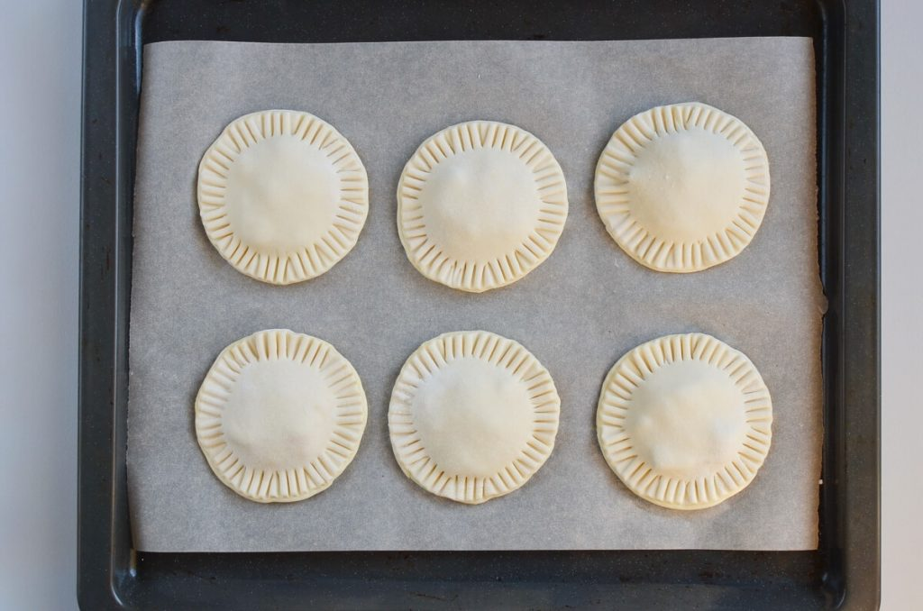 Mini Creamy and Cheesy Chicken Pies recipe - step 8