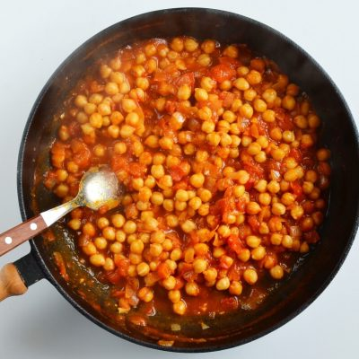 Moroccan Chickpea Tagine with Tomatoes recipe - step 4