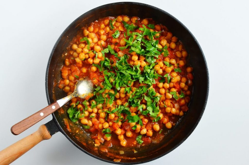Moroccan Chickpea Tagine with Tomatoes recipe - step 5