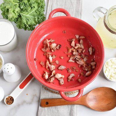 One Pot Olive Garden Zuppa Toscana Soup recipe - step 1