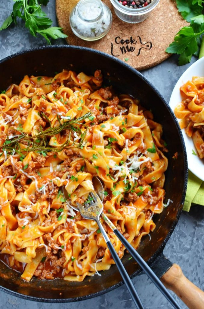 Quick One-Pan Pasta Bolognese