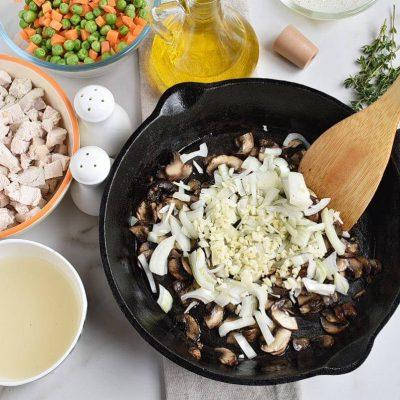 Skillet Chicken Pot Pie recipe - step 3