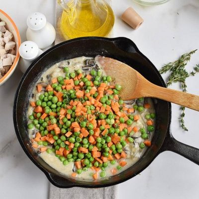 Skillet Chicken Pot Pie recipe - step 4