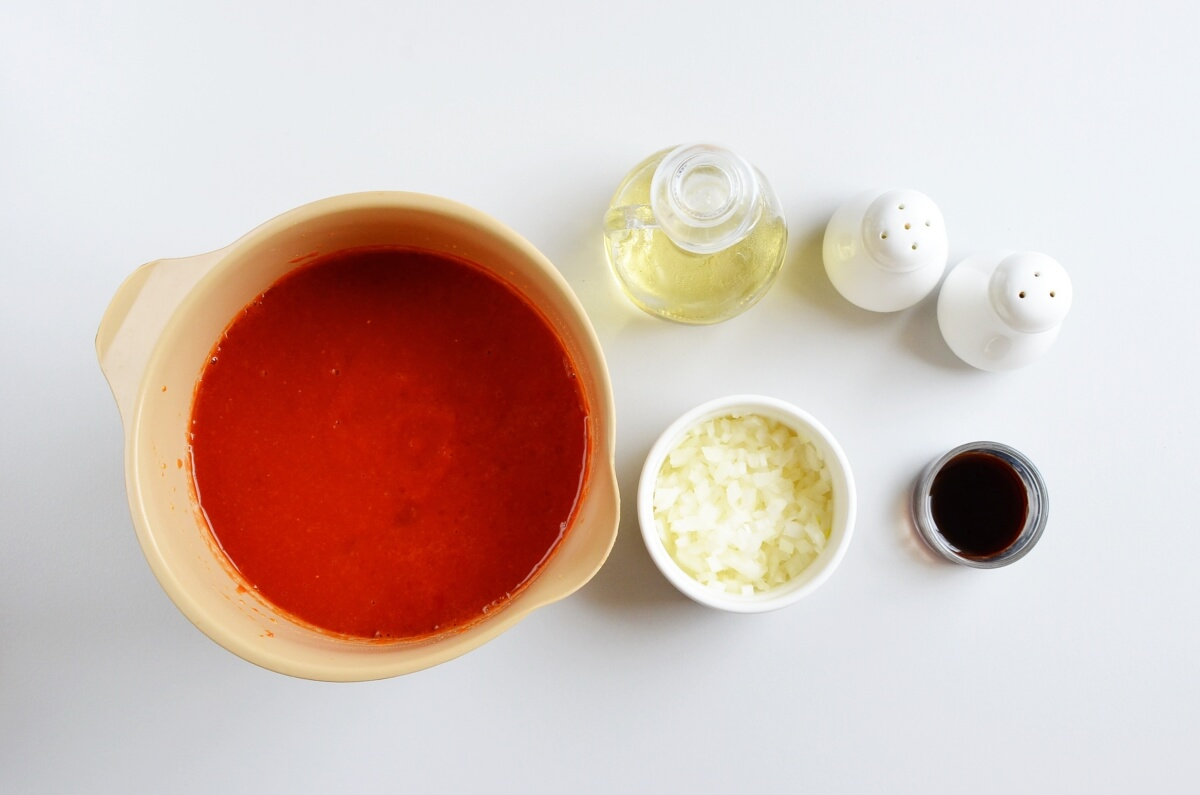 Ingridiens for Slow-Simmered Pizza Sauce