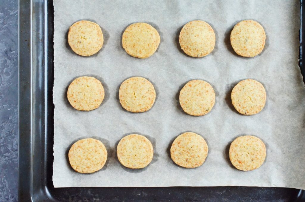 Thyme and Cheddar Cheese Cookies recipe - step 9