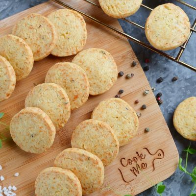 Thyme and Cheddar Cheese Cookies Recipe-How To Make Thyme and Cheddar Cheese Cookies-Easy Thyme and Cheddar Cheese Cookies