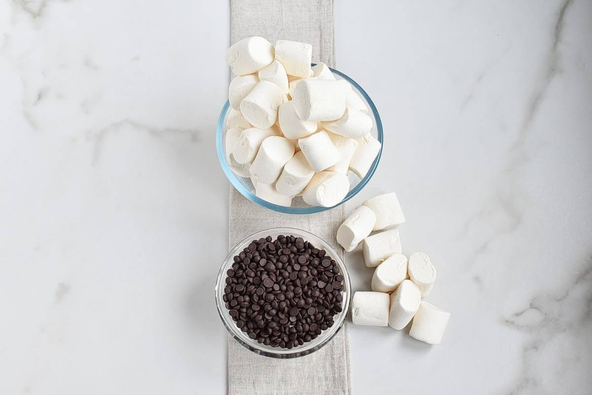 Ingridiens for Two Ingredient Marshmallow Fudge