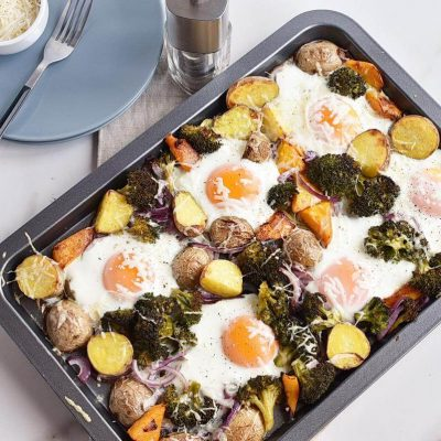 Baked Eggs with Roasted Vegetables recipe - step 8
