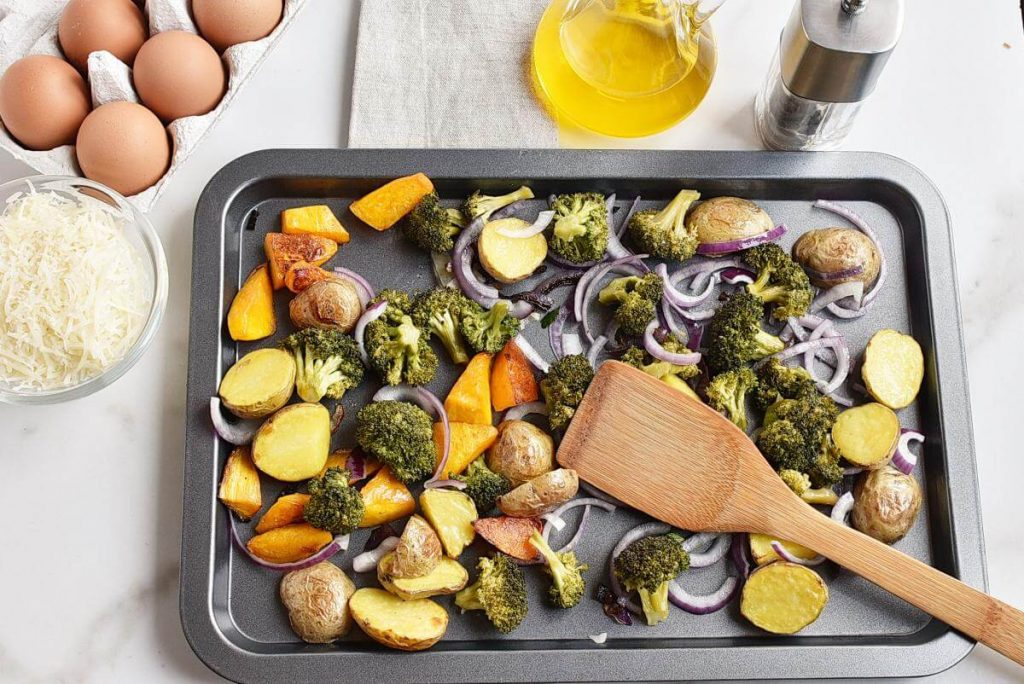 Baked Eggs with Roasted Vegetables recipe - step 3