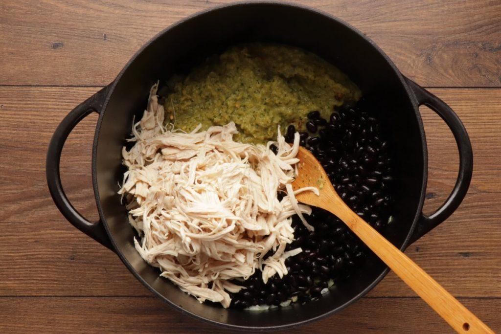 Chicken, Quinoa, and Black Bean Chili Verde recipe - step 3