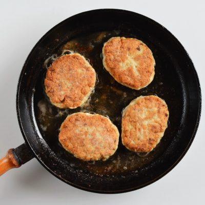 Chicken and Mushroom Patties (Russian Kotlety) recipe - step 5