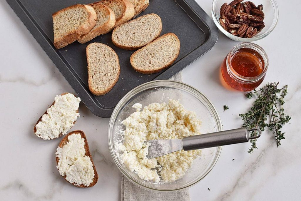 Goat Cheese Crostini with Honey, Pecans and Thyme recipe - step 4