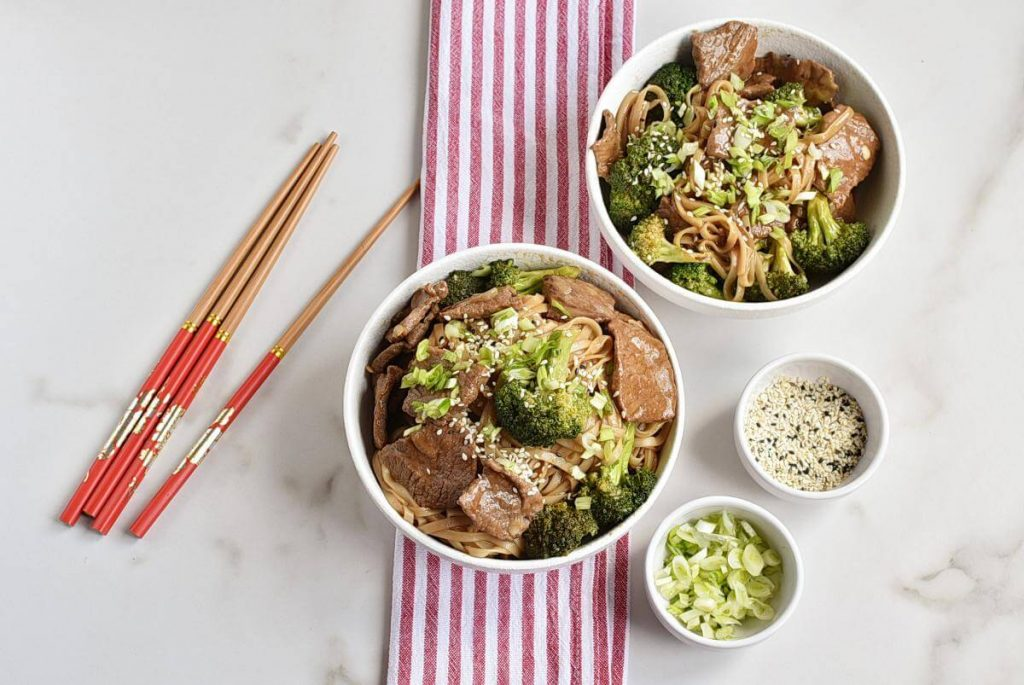 How to serve Long-Life Chinese Noodles with Beef & Broccoli