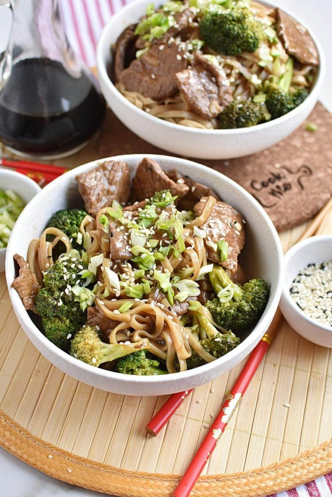 Long-Life Chinese Noodles with Beef & Broccoli