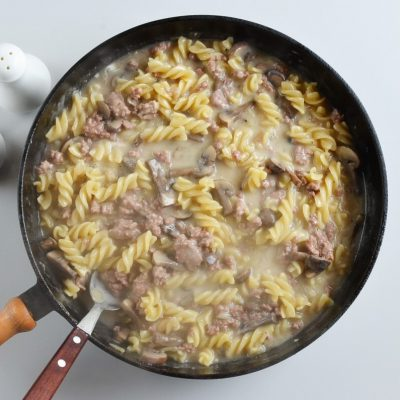 One Pot Ground Beef Stroganoff recipe - step 6