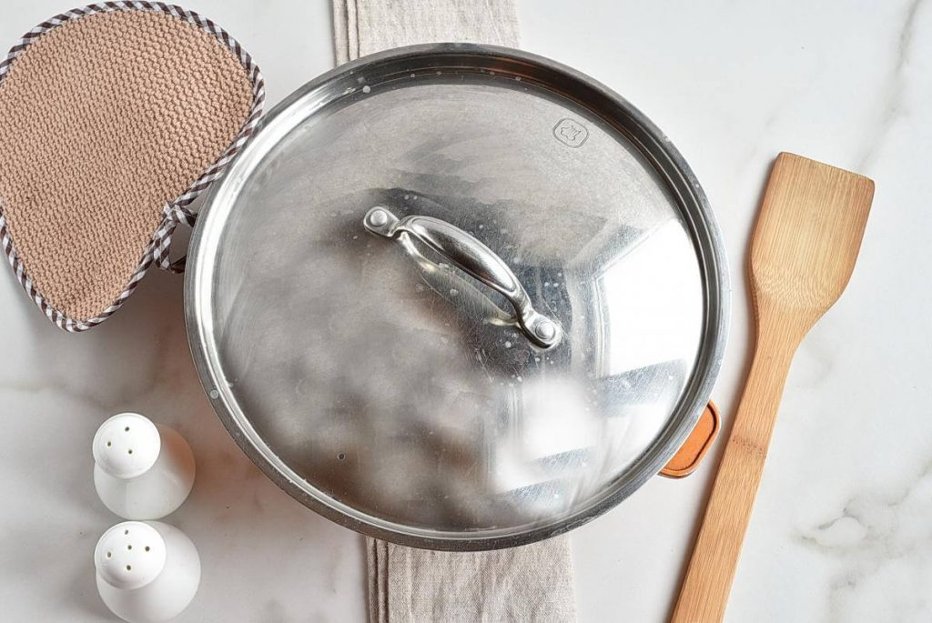 One Pot Minced Beef Hotpot recipe - step 8
