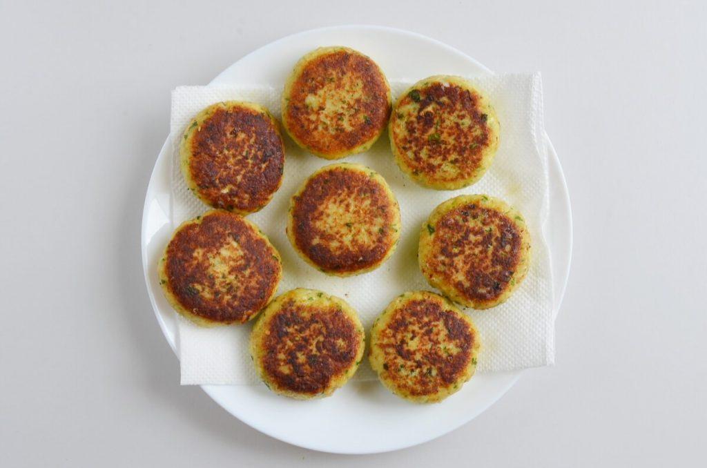 Quick Cilantro Fish Cakes recipe - step 8